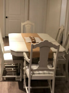 Beautiful Painted Antique Pedestal Table Set (USED) $250 OBO