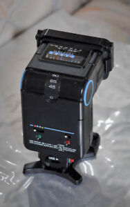 Sunpack 231 Auto and Vivitar Electronic Flashes for cameras