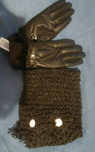 New black pleather Gloves & Knitted button scarf