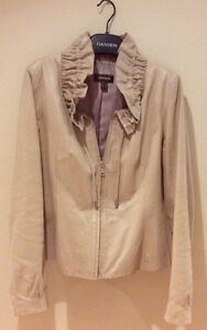 JUST REDUCED - LIKE NEW DANIER LEATHER LADIES JACKET SIZE - SM