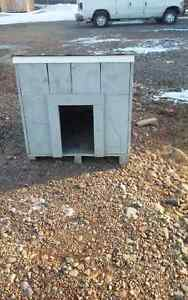 Solid wood dog house for sale 100$