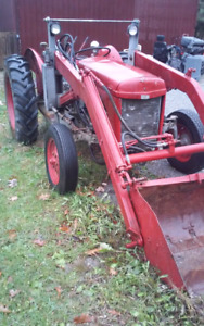 1949 Massey fergison T20 tractor w/3foot bucket and 3point hitch
