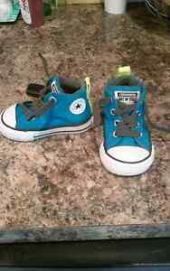 Size 3 converse chuck Taylor high tops