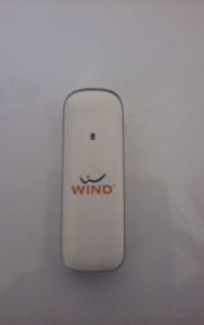 AS NEW, WIND PORTABLE WIFI DATA STICK ONLY $20