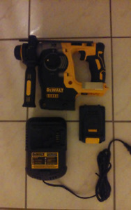 "Dewalt XR 20v 1"" SDS Rotary Hammer Drill kit"