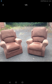Armchair set 1x manual recliner delivery available
