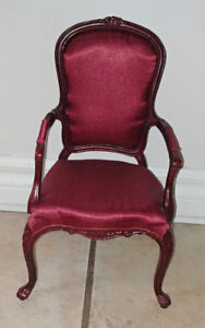 BESPAQ CHERRY WOOD QUEEN ANNE DOLL CHAIR 1:3 SCALE FOR 18 DOLLS