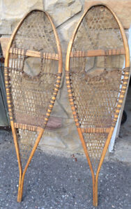 """Snow Shoes - Wooden Vintage Style. - 49""""x14"""""""