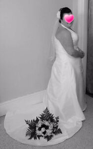 Price reduced! wedding dress size 22 and veil