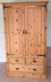 Solid pine bedroom furniture Wadrobe, drawers and bedside matching