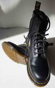 Dr. Martin Size 6 boots