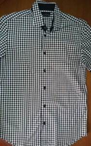 Zara Man Slim Fit Button Up Shirt (Size Small)