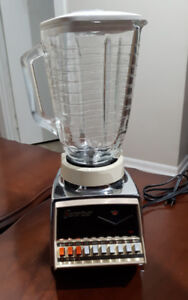 Osterizer BLENDER - Like New Condition