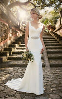 Wedding dress size 6 street size 2-4 $500
