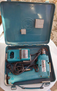 Makita Drill + reciprocal saw + charger + battery + case $35