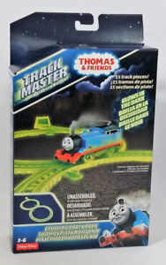 Thomas and Friend Glowing in the Dark Train Track Pack Figure 8