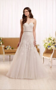 Essence of Australia Wedding Dress D2122