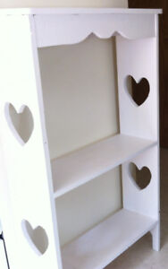 Bookcase handcrafted white wood has opened hearts, 3 shelves