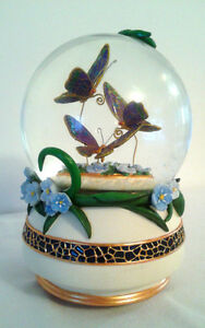 TWINKLE BUTTERFLY SNOWGLOBE 100MM MUSIC BOX London Ontario image 2