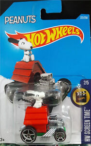 Hot Wheels 1/64 Scale Peanuts Snoopy Diecast Car