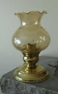 Lantern - candlelight in Heavy Brass with glass top West Island Greater Montréal image 1