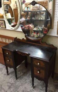 Antique Vanity with 4 drawers mirror