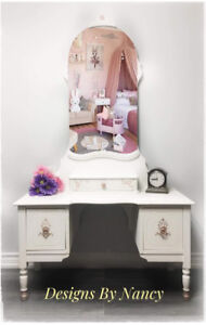 Charming Youth Size Antique Solid Wood Vanity! ♀️