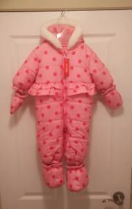 BNWT Baby girl snow suit size 6 months