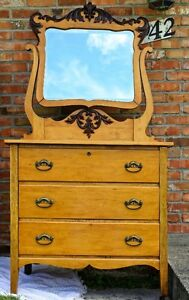 2 beautifull antique dressers