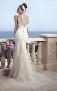 Gorgeous white lace sheath wedding dress with train