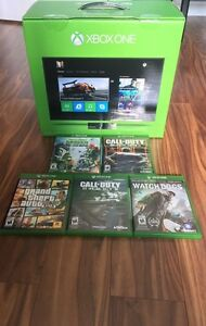 Xbox one w/ 2 controllers, 5 games, Kinect and more