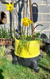 Flower pot on wheels