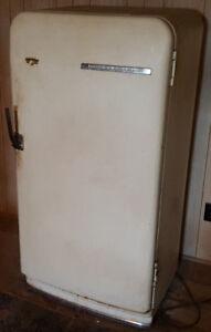 Vintage Frigidaire Refrigerator Beer Frig