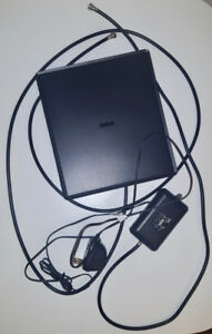 TV - DIGITAL RCA FLAT ANTENNA WITH AMPLIFIER !!!