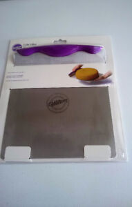 Wilton Cake Lifter (Stainless Steel) **NEW**