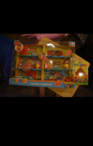 Brand new Hey Duggee playset with brand new dvd