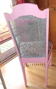 PINK DESK AND CHAIR London Ontario image 7