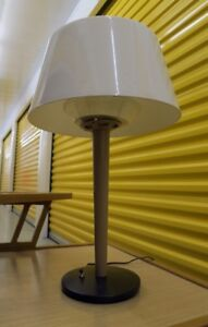 Lightolier Gerald Thurston Mid Century Modern Table Lamp MCM