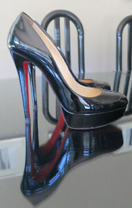 Christian Louboutin Bianca 140 mm Black Patent Leather Pumps Hee