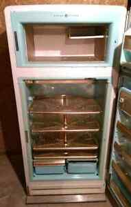 1950'S WORKING GE VINTAGE FRIDGE