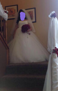 Beautiful wedding dress worth $3000 Windsor Region Ontario image 4