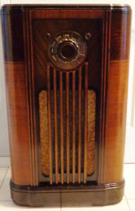 Rogers Majestic Console Radio Model 766