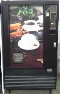 Machine distributrice à vendre ou à louer
