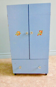 Child/Doll Play Furniture – Armoire/Dresser
