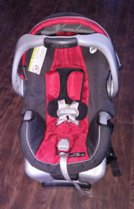 $100 - Graco Infant Car Seat with Base, Exersaucer & Bath Tub