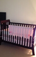 baby crib excellent condition/ basinnette bebe bonne condition