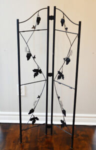 2 Piece Metal Folding Trellis Set