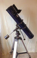 Telescope 4 1/2 Star-Watcher with equidoial mount with Oculars