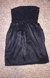 Black strapless cocktail dress with pockets size S