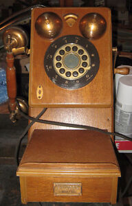 Non working vintage , classic telephone ...